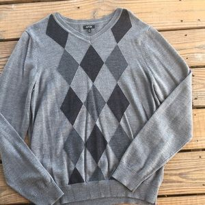 Gray & Black Argyle Sweater-M
